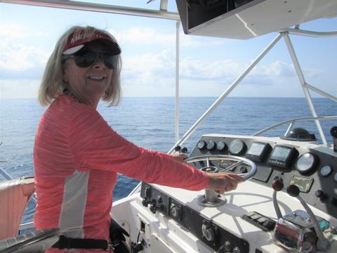 Betty Bauman boat driving _resize