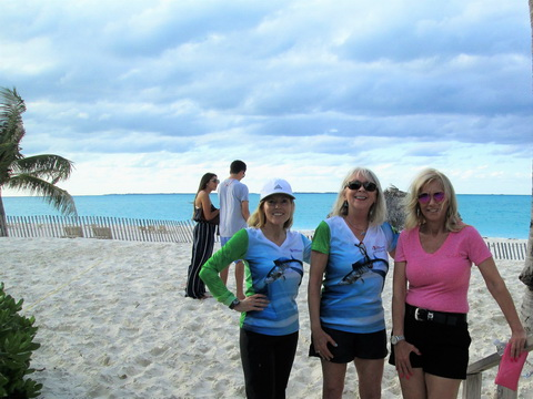 Admiring-Treasure-Cay-Beach_resize