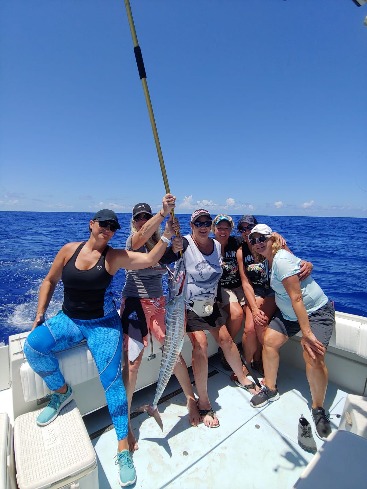 Gals-with-wahoo