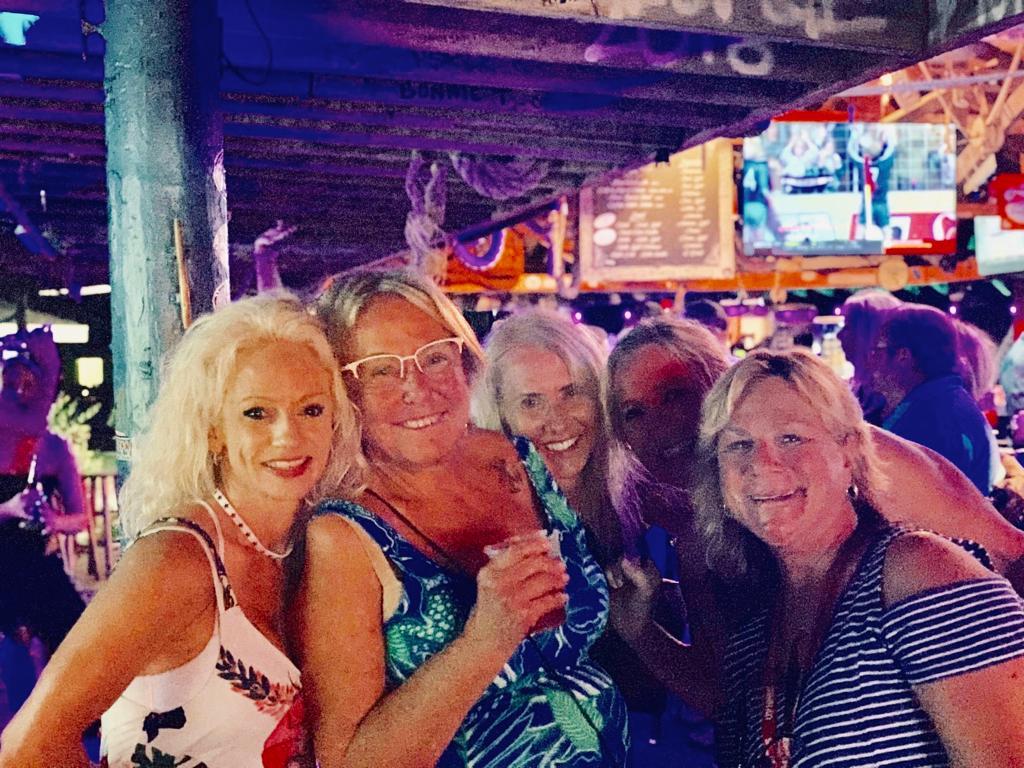 LLGF-Gals-at-Tipsy-Seagull-Treasure-Cay