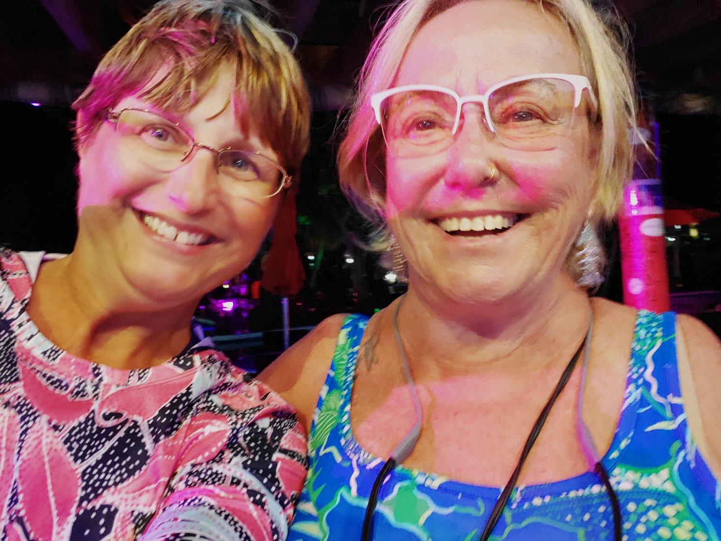 Making-new-friends-at-Tipsy-Seagull-Treasure-Cay