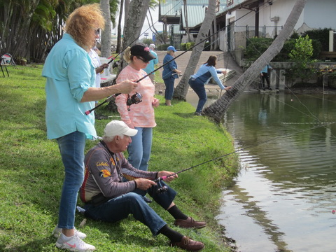 Ladies-learn-fishing-with-PennPassion_resize
