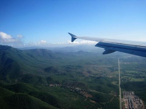 Flying to Santiago Cuba_resize